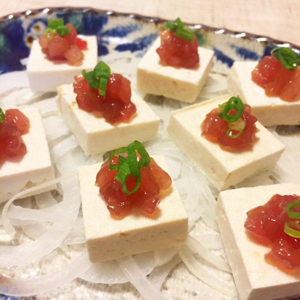 島豆腐のピクルスと漬けマグロのカルパッチョ